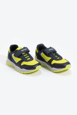 حذاء رياضي بشريط فيلكرو J Coridan B.B