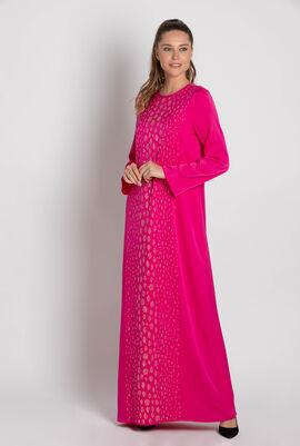 فستان طويل مطرز