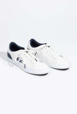 حذاء رياضي كانفا بلون أبيض/ أزرق داكن من Lerond
