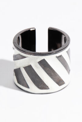 Graphic Rings