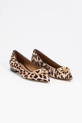 حذاء بدون كعب مدبب من الأمام بطبعة فهد Gigi