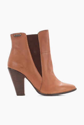 Hana Pointed Leather Boots