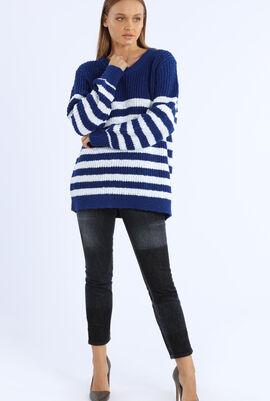 Round neck striped pullover