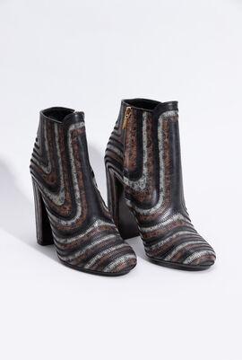 Feeling Zig Zag Ankle Boots