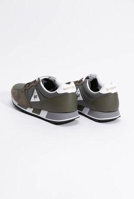 حذاء رياضي بدرجة لون Olive Night من Omega