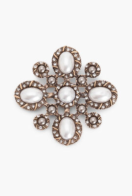 Pearl Decorated Brooch