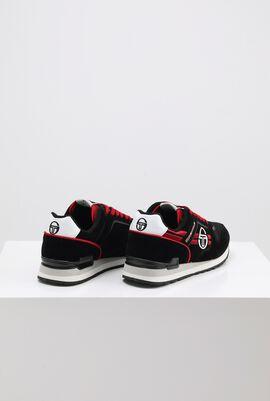 حذاء رياضي بدرجة لون Sonic Black